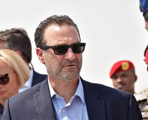 «دیوید شینکر»: امریکا با جدیت برای تشکیل دولت بی طرف در لبنان تلاش می کند