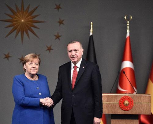 آنگلا مرکل خواستار خروج سربازان ترکیه از لیبی شد