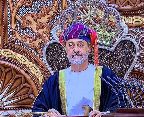 سلطان عمان در نخستین سفر خارجی خود به عربستان سعودی رفت