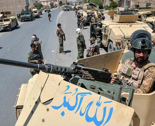 تشدید درگیریها در سه ولایت افغانستان؛ وزارت دفاع ملی میگوید ۴۵۵ طالب کشته شدند