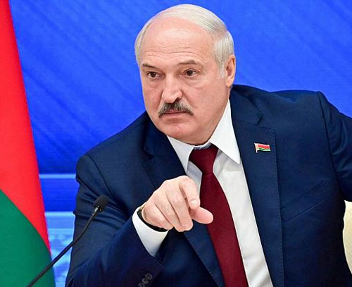 لوکاشنکو: بلاروس سلاح و تجهیزات عمده نظامی از روسیه دریافت میکند