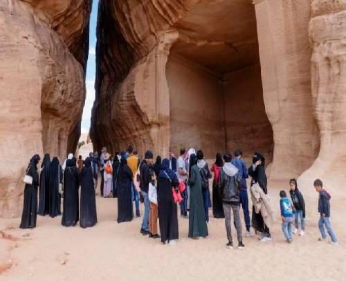 عربستان هزار میلیارد دلار در بخش گردشگری سرمایه گذاری می کند